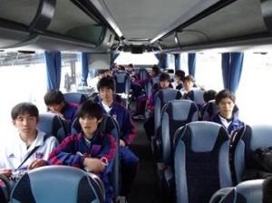 バスの中での一枚 300x224  U 18オランダ遠征レポート1日目