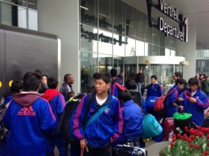 空港に到着 300x224 U 15フランス、オランダ遠征レポート最終日