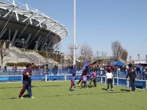 9ミニサッカー 300x225 【追記】4/18(土)広島戦「青赤横丁」開催のお知らせ
