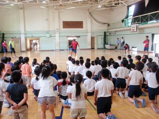 三鷹2 【報告】FC東京選手会 小学校訪問