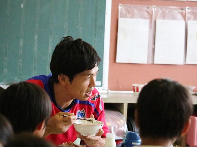 小平1 【報告】FC東京選手会 小学校訪問