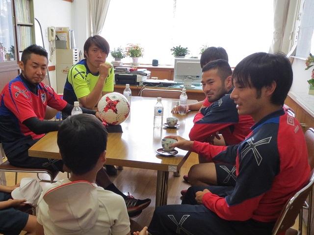 小金井1 【報告】FC東京選手会 小学校訪問