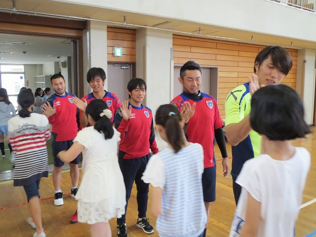 小金井2 【報告】FC東京選手会 小学校訪問