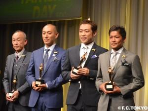 DSC 0094 2 300x225 大久保嘉人選手 第36回ベスト・ファーザーイエローリボン賞 受賞のお知らせ