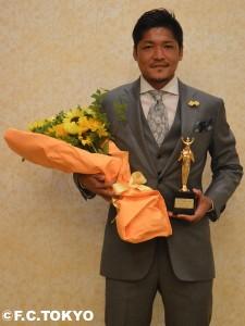 DSC 0152 225x300 大久保嘉人選手 第36回ベスト・ファーザーイエローリボン賞 受賞のお知らせ