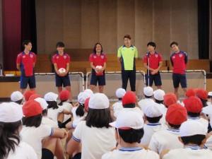 P6051290 300x225 【報告】FC東京選手会 小学校訪問